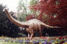 Lebensgroße Dinos bei der Ausstellung (Foto: Kulturdeck)
