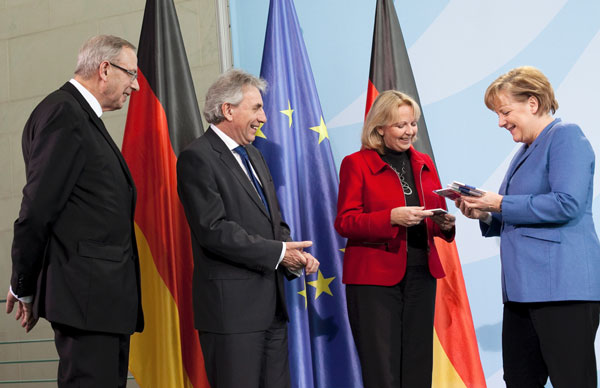 Kölner Dom Jetzt Auf Zwei Euro Münze Koelnde