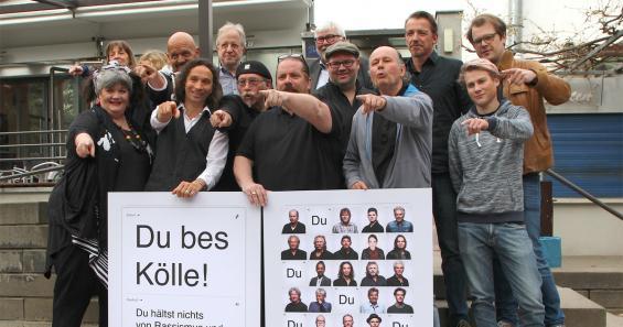"""Die Sprecher von """"Arsch huh"""" und die ersten Plakate: Stefan Brings, Janus Fröhlich, Arno Steffen und Hermann Rheindorf. Foto: Jürgen Schön"""