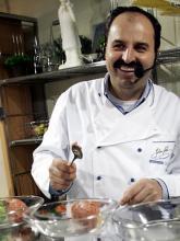 Zu Hause in der Welt des Kochens: Johann Lafer (Foto: ddp)
