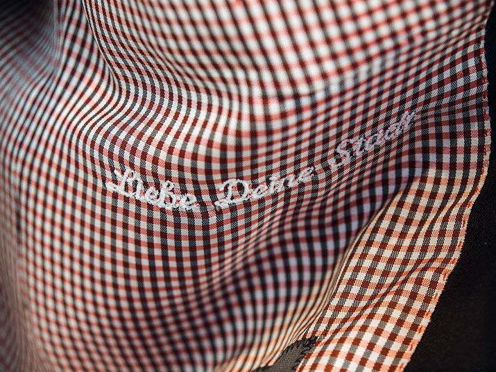 Liebe Deine Stadt: Das Einstecktuch passend zum Köln-Sakko. Foto: Ebinghaus
