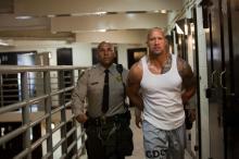 Nach zehn Jahren Haft wird Driver aus dem Gefängnis entlassen. © 2010 Sony Pictures Releasing GmbH