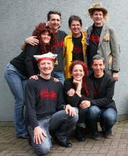 """Sieben von fast 30 """"Fatal Banal""""-Karnevalisten stellten das Programm vor (Foto: Jürgen Schön)"""