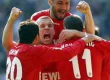 So wie hier beim Sieg über Bayer Leverkusen in der Saison 2010/11 würden sich Lukas Podolski und Co. sicher auch über den Gewinn der Championsleague freuen (Foto: dapd)