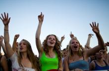 Mit einem Tickets mehrere Bands live erleben auf Kölns Musikfestivals.