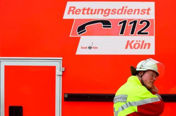 Feuerwehr rettet Mensch und Tier aus Kölner Randkanal