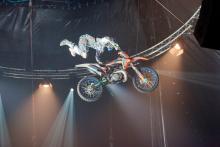 Atemberaubende Stunts zeichnen den Zirkus FlicFlac aus (Foto: flicflac.de)