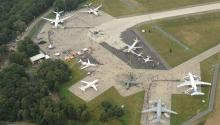 Himmelsstürmer ganz bodenständig: Flugzeuge auf dem DLR-Gelände Foto: DLR