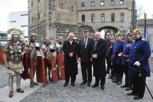 Wollen die Kölner Festungsbauwerke erhalten: Bürgermeister Hans-Werner Bartsch, Regierungspräsident Hans Peter Lindlar, Konrad Adenauer (v.l.n.r., Foto: Ute Prang)