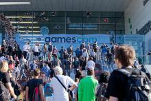 Großer Andrang herrschte vor den Eingängen der Gamescom 2011. (Foto: Gamescom)