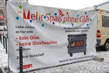 """""""Mehr Spaß ohne Glas"""" gibt es auch im Straßenkarneval 2011 - durch das Glasverbot."""