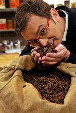 Hat eine feine Nase für guten Kaffee: Deutschlands erster Kaffee-Sommelier Michael Gliss aus Köln (Foto: red)