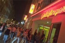 Das Goldfinger ist einer von sechs Clubs, der an der After Work Street Party auf der Friesenstraße teilnimmt. (Foto: Bilderbuch Köln)
