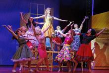 Party, Petticoats und eine High School-Liebesromanze gibt es bei Gease im Musical Dom.