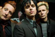 Green Day kommen mit neuer Scheibe auf Tour: Tré Cool, Billie Joe Armstrong und Mike Dirnt (v.l.n.r.) rocken am 5. Oktober in Köln. (Foto: Marina Chavez)