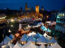 Der Hafenweihnachtsmarkt von oben