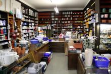Haushaltswaren Balke: Paula Filz und ihr Laden in der Weidengasse. (Foto: Sebastian A. Reichert)