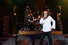 Ronnie James Dio, Sänger von Heaven & Hell: Zusammen mit Tony Iommi, Geezer Butler und Vinny Appice kommt er am 16. Juni nach Bonn