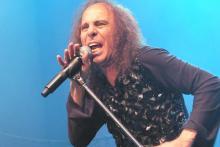 Ronnie James Dio, Sänger von Heaven & Hell: Mit 66 Jahren immer noch stimmgewaltig. (Foto: Helmut Löwe)