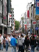Volle Einkaufsstraßen sind an verkaufsoffenen Sonntagen in Köln garantiert. (Foto: Helmut Löwe)