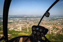 Die fliegende Aussichtsplattform: Blick aus dem Heli-Cockpit Foto: hubschrauberflug.de