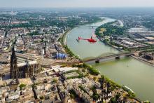 Dom, Rhein, Himmel - darauf fliegt der Kölner! Foto: hubschrauberflug.de