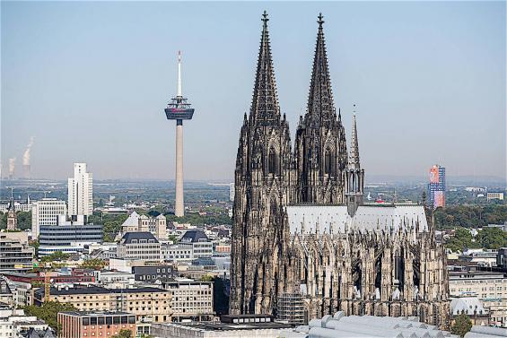 Nach dem Umzug: In Köln ankommen und Kontakte knüpfen