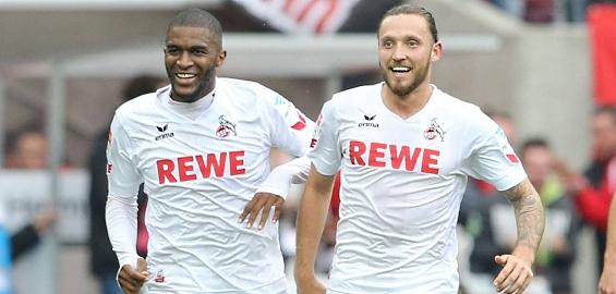Doppeltorschütze Anthony Modeste freut sich gemeinsam mit Marco Höger über seinen Treffer. Foto: Imago/Eibner