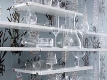 Nicht nur individuell befüllbar: Die Optik des Regals von String Furniture AB kann mit Brettern verschiedener Längen ganz nach persönlichem Geschmack variiert werden. (Foto: Kölnmesse)