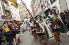 Das Schauspiel um Jan & Grieth findet traditionsgemäß vor der Severinstorburg statt. (Foto: Joachim Rieger)