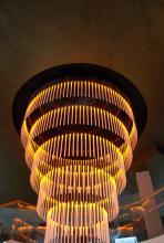 Lüster aus LED-Lampen (Foto:Julia Schmitz)