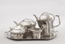 "Kaffe- und Teeservice aus ""Kayserzinn"" (um 1902). Foto: RBA/Margot   Mennicken"