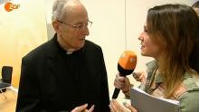 Carolin Kebekus spricht bei kardinal Meisner als Päpstin vor. (Screenshot: ZDF Mediathek/heute-Show)