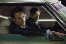 Auftragskiller Cogan (Brad Pitt) und Kleingangster Frankie (Scott McNairy) im Einsatz (Foto: Wild Bunch Germany)