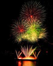 Sechs Tonnen Pyrotechnik kommen 2012 bei den Kölner Lichtern zum Einsatz. (Foto: Kölner Lichter)