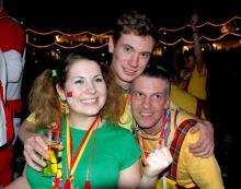 Ein wahrer Höhner-Fan: Für Stephanie Weber (links) war die Kölsche Band das Highlight des Abends. (Foto: Ronja Gasper)