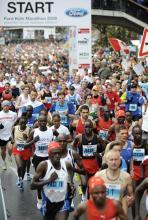 Eine von Deutschlands größten Laufveranstaltungen: Der Köln Marathon mit über 25.000 Startern. (Foto: ddp)