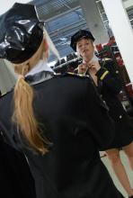 Als sexy Pilotin ist man den heißen Sälen und Kneipen gut aufgehoben. (Foto: Helmut Löwe)