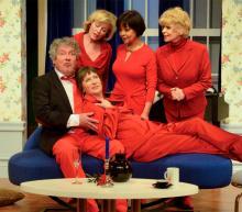 Hahn im Korb: Volker Brandt und Christine Schild, Simone Rethel, Ingrid Steeger (hinten, v.l.) und Beatrice Richter. @ Wolfgang Weimer / Theater am Dom