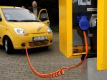 Auch eine Ladestation für Elektroautos soll es auf der Energiestraße geben. (Symbolfoto: dapd)