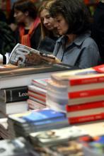 R(h)einlesen - Bücherboulevard im Rheinauhafen: Das Literaturfest lädt vom 4. bis zum 6. September zum Schmökern ein (Symbolfoto: ddp)