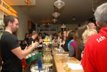 Volles Haus Rund 200 Gäste feierten gemeinsam im Oma Kleinmann die Hits der Session