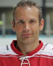 Mirko Lüdemannn stand gegen die Straubing Tigers zum 1000. Mal für die Haie auf dem Eis. (Foto: Helmut Löwe)