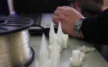 Der MakerBot erstellt 3D-Modelle aus kompostierbarem Kunststoff (Foto: Christian Rentrop