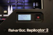 3D-Modelle können einfach auf USB-Stick oder Speicherkarte mitgebracht werden (Foto: Christian Rentrop