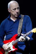 Mark Knopfler: der Dire-Straits-Kopf ist ein begnadeter Gitarrist. (Foto: Pressefoto)