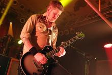 Bill Kelliher: rasender Wechsel zwischen auffälligen Gitarrenläufen, verzerrten Riffs und komplexen Soli. (Foto: Helmut Löwe)