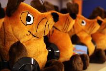 Hier kommt die Maus: Die kleinen Köln-Botschafter warten im Laden auf ihren Einsatz. (Foto: Sebastian A. Reichert)