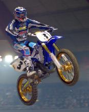 Die Motocross-Stuntshow sorgt für Nervenkitzel (Bild: ddp)