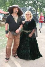 Kostüm ist Pflicht: Besucher des Mittelalter-Festivals (Foto: Julia Schmitz)